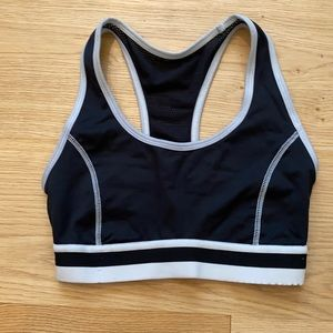 Forever 21 Crop Top Sports Bra Workout Top Black